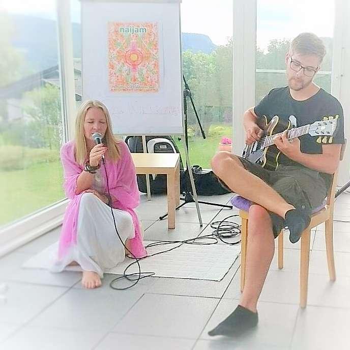 Stimme des Herzens Mantrensingen - rapunzellounge.de