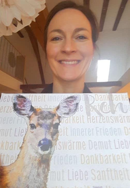 Wandbild Reh mit Gewinnerin Sabina